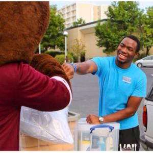 Student organizations help freshmen during move-in weekend. Photo credit: Missouri State Welcome Weekend Page